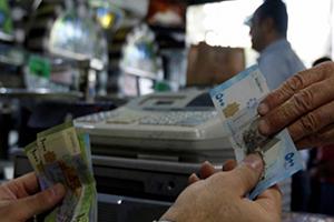 صحيفة: تحوّل مُقلق في نمط الاقتصاد السوري.. قطاع الخدمات يبتلع القطاع الإنتاجي!!