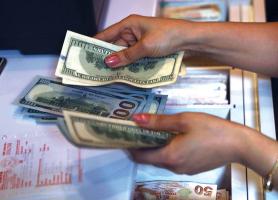 ما هي القيمة الفعليّة لليرة مقابل الدولار؟