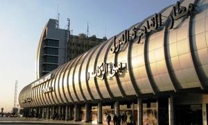 سوريون في مطار القاهرة يؤكدون أن الأوضاع طبيعية حول
