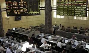 البورصة والبنوك المصرية تقرر تعليق عملها وسوق المال يفقد 822 مليون دولار