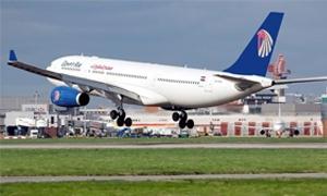 طائرة مصرية الى طهران للمرة الأولى منذ 34 سنة