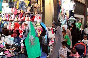 بورصة ألبسة العيد في سورية إلى صعود..و تكلفة كسوة العائلة من 5 أشخاص يبدأ من 120 ألف ليرة
