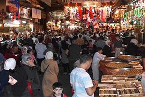 قبل أيام من عيد الأضحى.. الفقر و جشع التجار يسرقان رغبة السوريون في الشراء