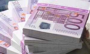 اليورو الى أدنى مستوياته في 11 سنة