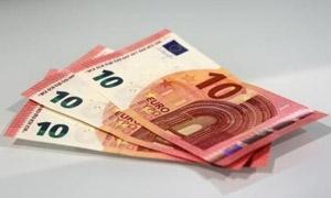انخفاض قوي لليورو في دمشق.. والذهب الملاذ الأمان للتجار