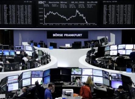 الاسهم الاوروبية تتعافى جزئيا من أدنى مستوى في 13 شهراً