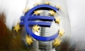 تباطؤ وتيرة الانكماش في منطقة اليورو في الربع الأول لعام 2013