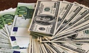 اليورو يهوي أما الدولار خلال أربع أشهر بسبب الأزمة اليونانية