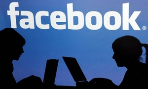 إحصائية: فيسبوك أكثر  المواقع زيارة عالمياً وجوجل يلاحقه