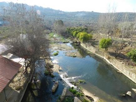 لبنان: الجفاف يكبّد كل مزارع 27 ألف دولار بالموسم الواحد