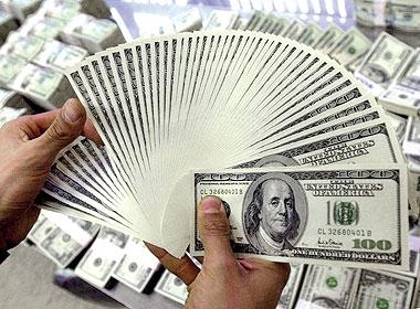 الدولار مستقر لليوم الخامس على التوالي