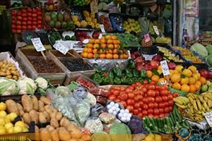 بنسب تصل لـ30%: أسعار الخضار و الفواكه في ريف دمشق تقفز جنوني..الخيار إلى 400 ليرة