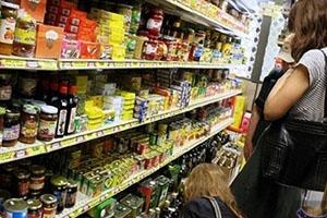 الدولار ينخفض بنسبة 8% مقابل الليرة السورية خلال عام.. ومع ذلك أسعار الغذاء ارتفعت 1.5%