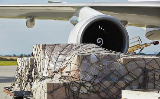 تراجع حركة الشحن الجوي العالمي إلى 2.2% في عام 2015