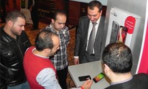 بالصور: إل جي إلكترونيكس تدشن جيلاً جديداً من الهواتف الذكية بإطلاق هاتف G2 في السوق المحلية