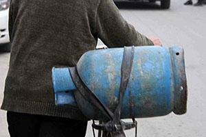 حمص.. عائلات لم تحصل على (إسطوانة الغاز) منذ أكثر من 70 يوماً!!