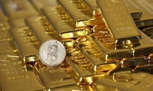 الذهب العالمي يقفز بفضل هبوط الدولار