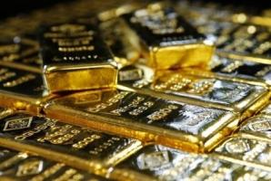 الذهب يصعد من أدنى مستوى في أسبوعين مع تراجع الدولار