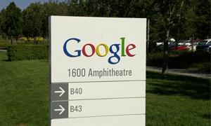سهم جوجل يرتفع إلى 800 دولار لأول مرة منذ 5 سنوات