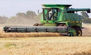 تسليم المازوت للحصادات بالسعر الرسمي خفض أسعار حصاد الدونم للثلث