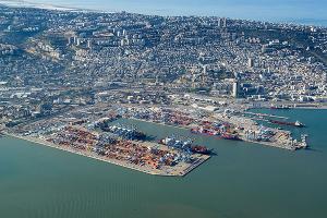 مجموعة موانئ دبي العالمية تنافس على مناقصة شراء ميناء حيفا