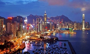 هونغ كونغ يحقق نمواً