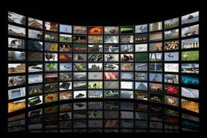 الترخيص لشركة خاصة تقدم خدمة بث قنوات تلفزيونية مشفرة وعادية بأسعار رخيصة
