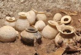 سرقة مواقع أثرية في دير الزور.. وطرطوس تصادر 23 قطعة مسروقة