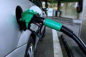 المشتقات النفطية بين العقوبات وسوء الإدارة .. معركة من سنكون