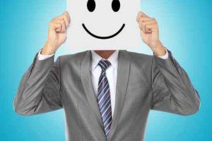 هكذا يمكن أن نجعل الموظف العابس مبتسماً!