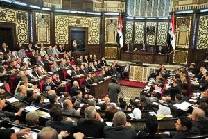ملف النفط على طاولة مجلس الشعب.. وأصابع الاتهام موجهة للوزير بقضايا فساد!