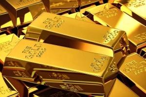الذهب مستقر قرب ذروة قياسية عالمياً مع استمرار المخاوف بشأن الفيروس