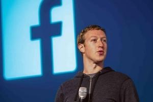 ثروة مؤسس فيسبوك تتخطى المئة مليار دولار
