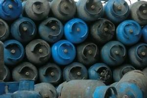 مقابل 100 ل.س.. مشروع للتأمين على أسطوانات الغاز المنزلية