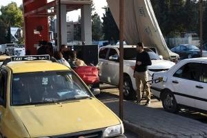 الحكومة: انتهت أزمة البنزين الحالية