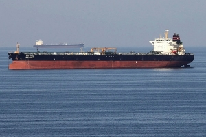 اتفاق ثلاثي لضمان وصول النفط الإيراني إلى سورية تباعاً