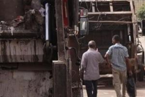 الحكومة تدعو للاستفادة من النفايات وتحويلها إلى مورد اقتصادي