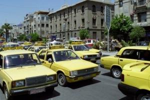 النقل: دراسة تعديل تعرفة ركوب التكاسي بعد رفع سعر البنزين