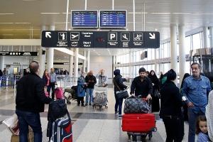 ما حقيقة فرض لبنان رسوم على المسافرين السوريين؟