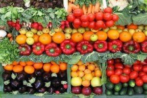 سورية تبحث تشجيع تصدير الخضراوات والفواكه إلى بيلاروس