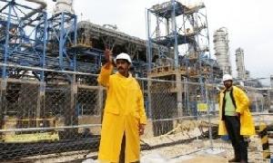 العراق يدعو شركات عالمية لمد خط أنابيب نفط جديد عراقي-تركي