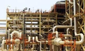إيران تعرض عقودا جديدة لمشاريع النفط لجذب المستثمرين