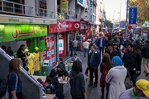إسطنبول تغلق أبوابها بوجه السوريين.. وتشن حملة مكثفة لضبط الغير مسجلين