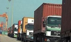 توقف عملية الاستيراد والتصدير براً  بين لبنان وسوريا نهائياً.. وعودة  نحو 400 شاحنة أدراجها