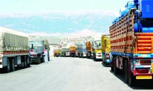 بعد انخفاض حركة النقل البري لأكثر من 90%.. ساحة لتبادل البضائع على الحدود الأردنية السورية