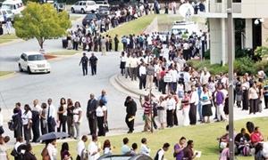 عزوز: الحكومة تعمدت إغفال الجانب الإجتماعي والدليل 70 ألف عامل مؤقت في 10سنوات