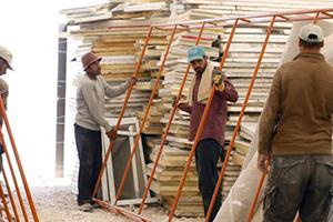 مسؤول أردني: 300 ألف سوري يعملون بالاقتصاد غير المنظم