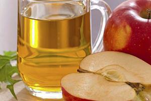 ضبط نحو 10 أطنان من خل التفاح المدعوم بالحشرات والصدأ كان في طريقها لموائد السوريون