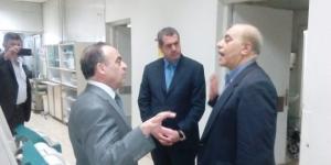 في زيارة مفاجأة إلى مشفى المواساة.. رئيس الحكومة انتظر الإدارة ساعة كاملة