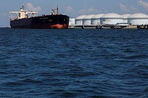 النفط يرتفع وسط زيادة التوتر على خلفية احتجاز ناقلة بالخليج